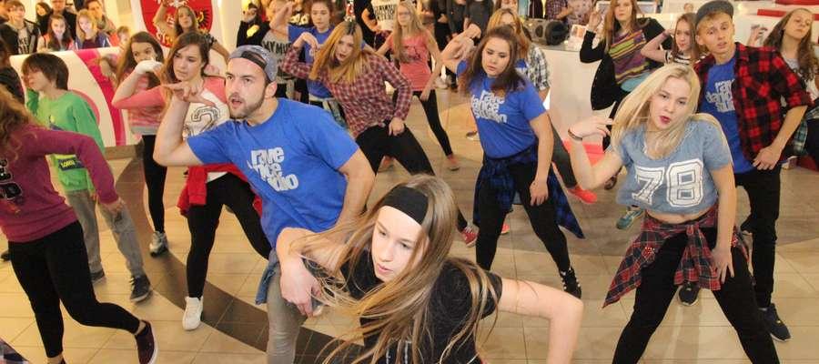 Rafał Milcewicz i jego podopieczni swoim tańcem porwali wszystkich. Był hip- hop, hip-hop new style i układy z teledysków.