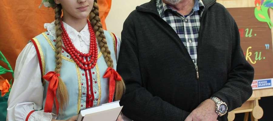 """W kat gimnazjów wygrała Monika Mówińska z Gietrzwałdu z tekstem """"Matylda w radyji"""""""