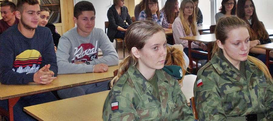 """Młodzież z ZS nr 1 w Płońsku wchodzi w program ,,Profilaktyka a Ty"""""""