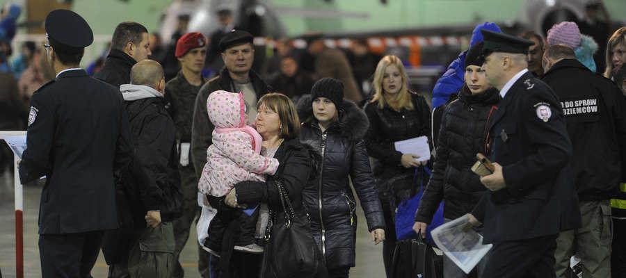Nowi przybysze z Mariupola i Donbasu wylądowali na lotnisku wojskowym pod Malborkiem