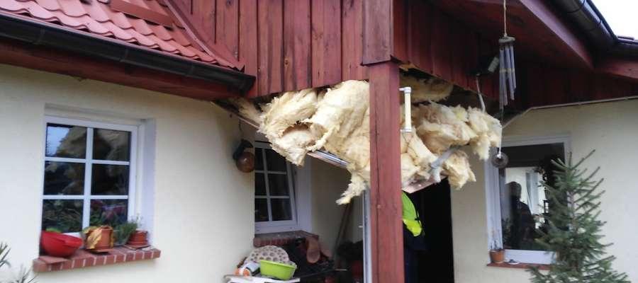 Wybuch w domu w Chojniku. Ciężko poparzony mężczyzna trafił do szpitala