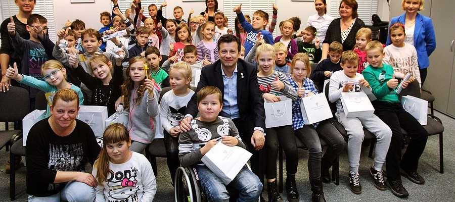 Zdjęcie na pamiątkę wizyty u Rzecznika Praw Dziecka
