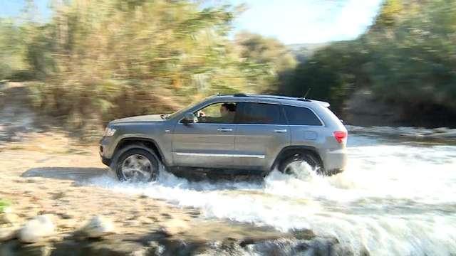 Kamienie, woda czy skały magmowe. Z takimi nawierzchniami zmierzyły się auta marki Jeep - full image