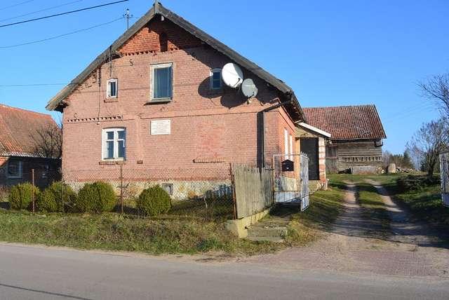 Budynek dawnej polskiej szkoły w Stanclewie gm. Biskupiec - full image