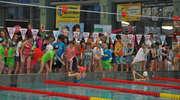 Zawody pływackie w hawajskim stylu w ostrołęckim Aqua Parku