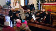 Publiczność też śpiewała. Koncert kolęd w kościele w Młynarach. Zdjęcia!