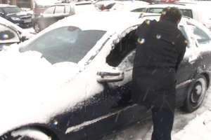Policyjne porady dla kierowców i pieszych na zimę