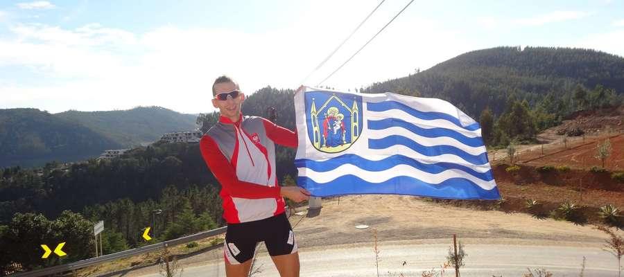 Miłosz Jankowski zawsze podkreśla, skąd pochodzi. Biało-niebieska flaga to zresztą znak rozpoznawaczy wielu sportowców z Iławy
