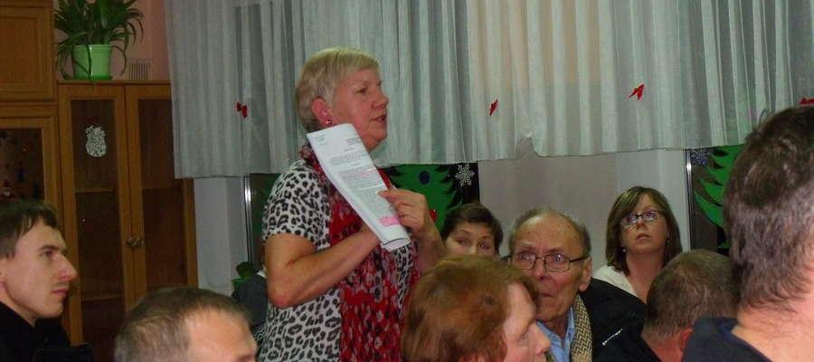 Sprawa musi być prowadzona od nowa. Starostwo odesłało nas do burmistrza – mówi mieszkanka Marta Obrębska