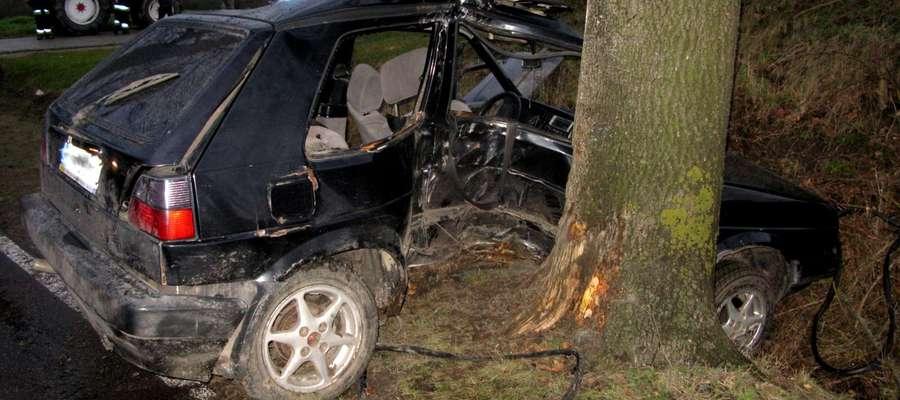 VW po wypadku w Wawrowicach