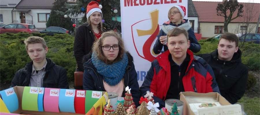 — Musimy zebrać pieniądze na wyjazd do Krakowa —mówili, sprzedając własne ozdoby, wolontariusze ŚDM