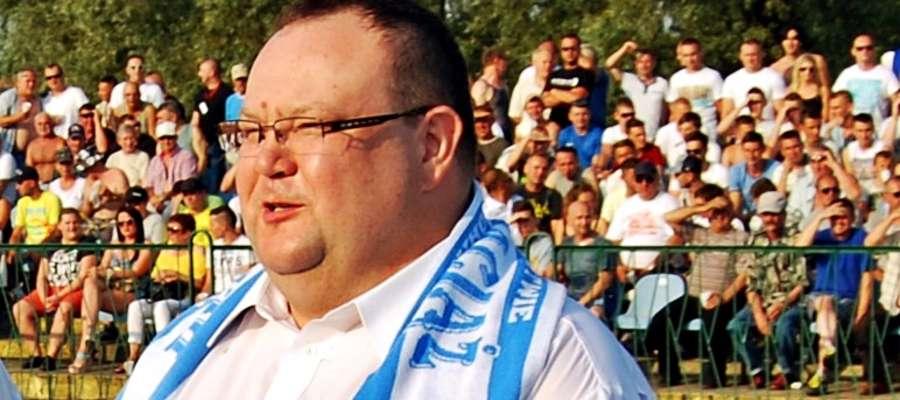 Mariusz Godlewski pozostanie na stanowisku burmistrz Raciąża. Może czuć się zwycięzcą. Niedzielne referendum nie zainteresowało mieszkańców. Frekwencja poniżej 4 proc. mówi sama za siebie...