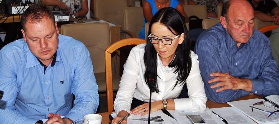 Radny Kośmider dołącza do komisji rewizyjnej, gdzie będzie współpracował m.in. z Magdaleną Dobrzyńską i Henrykiem Zienkiewiczem