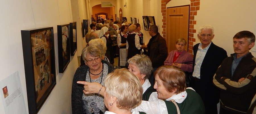 """Wystawa """"Mazurskie podróże w czasie"""" cieszyła się dużą popularnością"""
