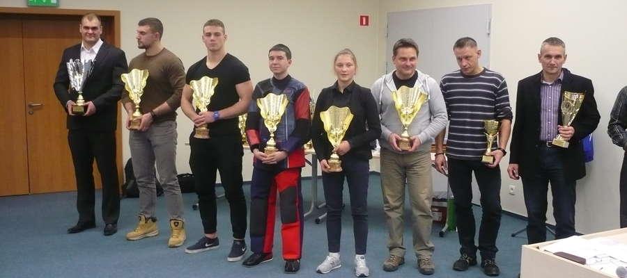 Medaliści tegorocznych mistrzostw Polski z olsztyńskiej Gwardii. Pierwszy z lewej Maciej Sarnacki