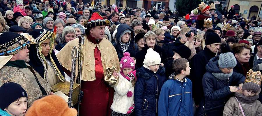 Płoński Orszak Trzech Króli 2014 z udziałem burmistrza Pietrasika