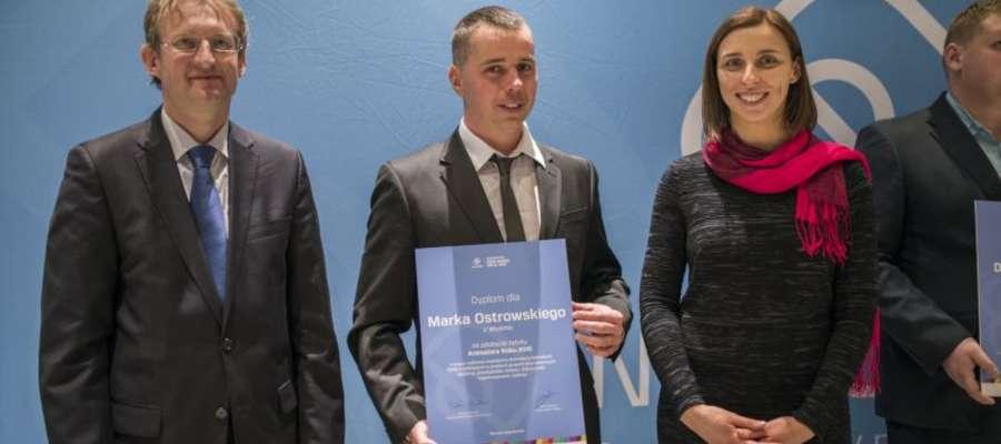 Marek Ostrowski podczas uroczystości wręczenia dyplomów