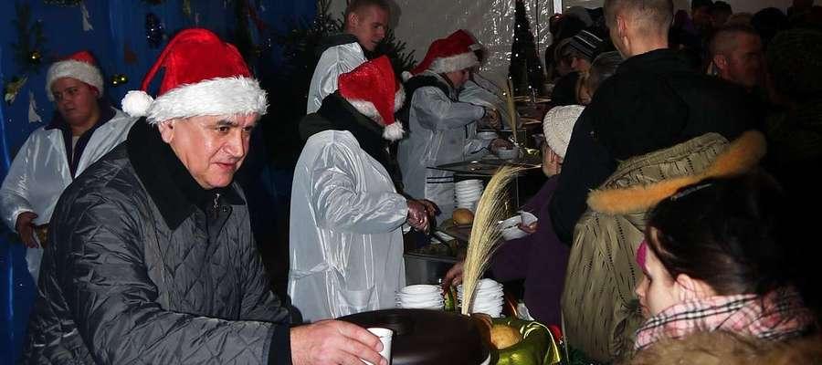 Burmistrz Płońska Andrzej Pietrasik i tym razem będzie częstował mieszkańców wigilijnymi potrawami