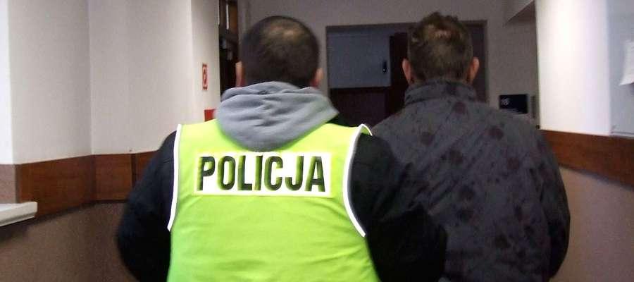 Policjanci ustalili, że sprawcą tych zdarzeń jest mieszkaniec gminy Zbiczno