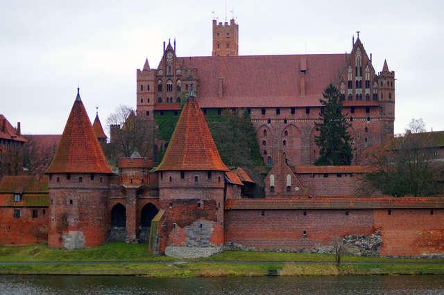 Największa twierdza średniowiecznej Europy - full image