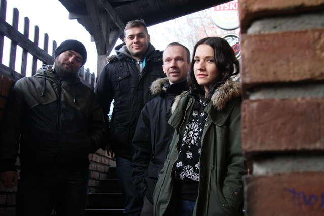 Od lewej: Kamil Butkiewicz, Sławek Rodziewicz, Dawid Skrzypczak, Patrycja Kaźmierczak - full image