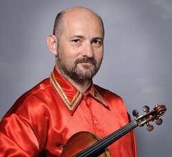 Podczas koncertu zagra na skrzypcach Artur Banaszkiewicz