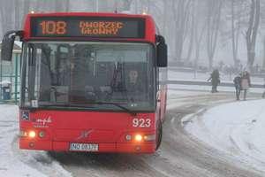 Uwaga! Zmiana rozkładu jazdy autobusów do Dywit