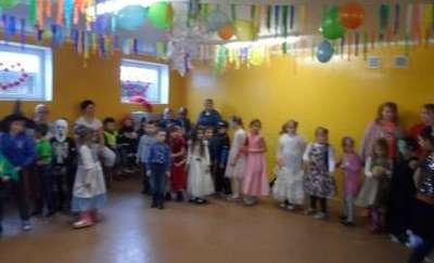 Choinka szkolna w ZSS w Woszczelach