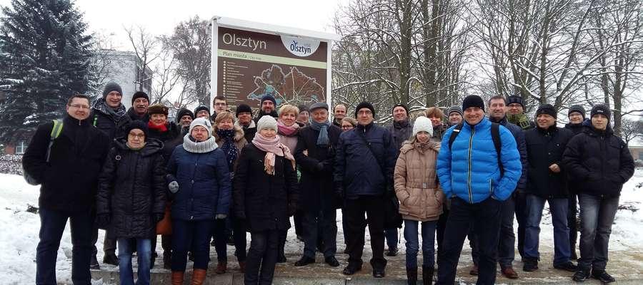 ...Do stacji Olsztyn Zachodni dotarliśmy planowo i rozpoczęliśmy spacer do Centrum Techniki i Rozwoju Regionu Muzeum Nowoczesności w Olsztynie...