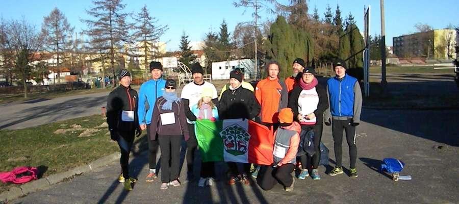 Braniewscy biegacze spotkali się 1 stycznia o godz. 12.00 przy stadionie miejskim na wspólnym rozbieganiu