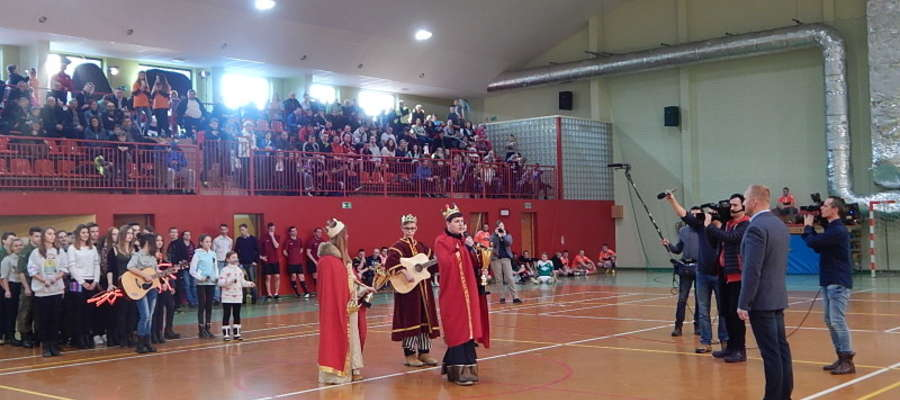Uroczyste przekazanie Korony Kacpra dla burmistrza Gołdapi Tomasza Luto