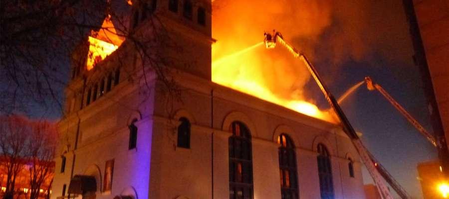 Mieszkańcy Braniewa dzielnie przyłączyli się do pomocy w ratowaniu świątyni