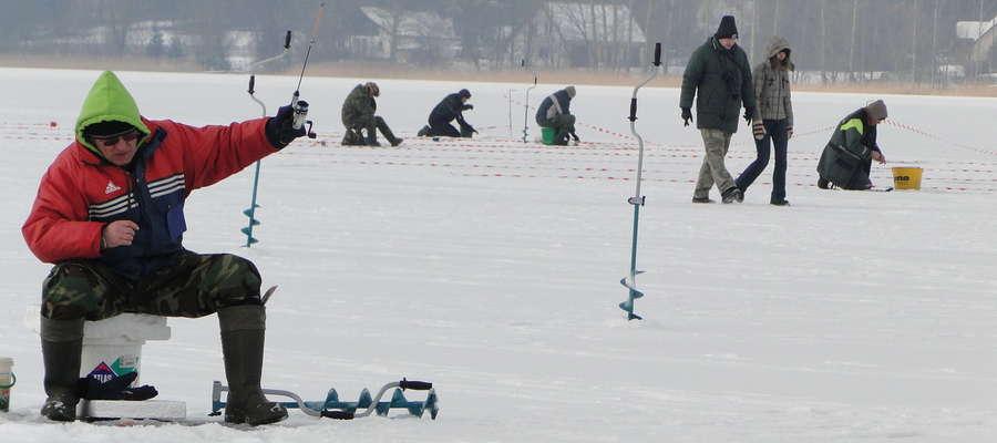 Takiego lodu życzymy wędkarzom, by mogli w tym sezonie bezpiecznie zorganizować zawody podlodowe
