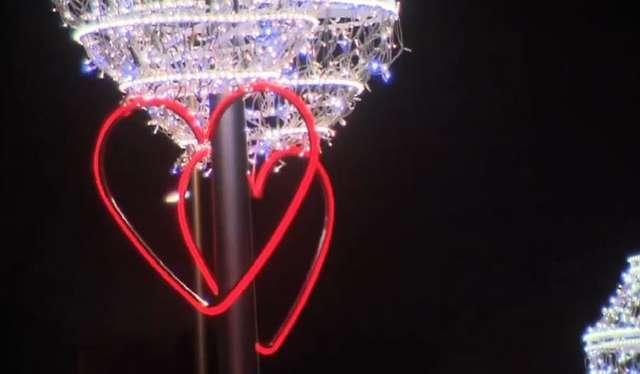 Zakochujemy się z prędkością 400 km/h - to naukowo udowodnione. - full image