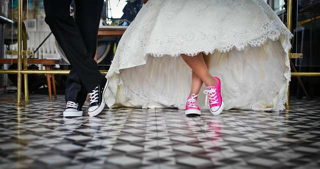 Jaka muzyka jest modna na weselach? - full image