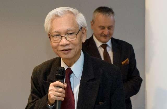 Prof. Chi Tran - full image