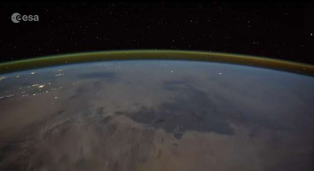 Tim Peake nagrał wyładowania atmosferyczne z perspektywy stacji kosmicznej - full image