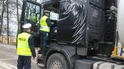 Policja wspólnie z inspekcją transportu skontrolowała ciężarówki i autobusy