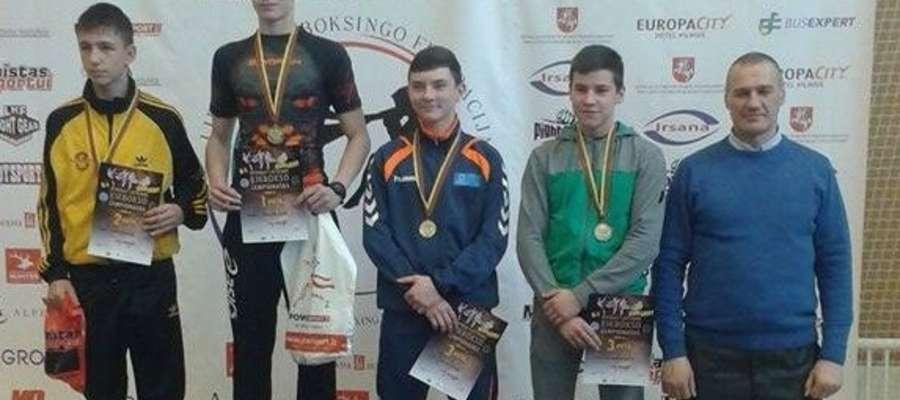 Michał Kuźniak na najwyższym stopniu podium w kat. -63 kg kadetów