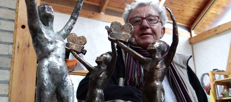 W artystycznej pracowni Kuby Matejkowskiego powstają statuetki Telekamery