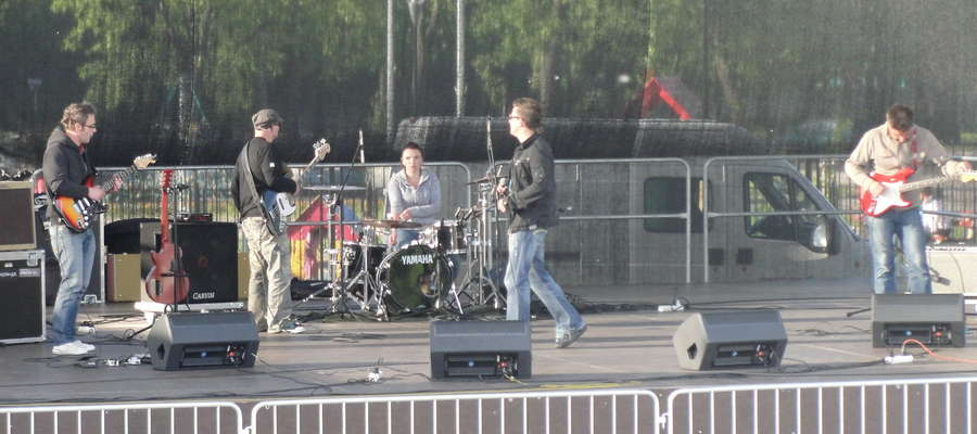 Zespół Nadmiar podczas poprzedniej wizyty w Kętrzynie.