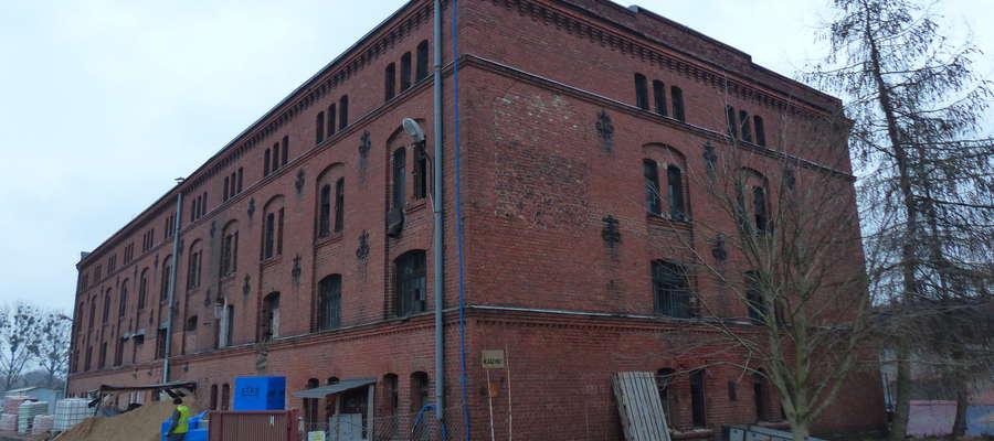 Zabytkowy budynek przy ul. Wyszyńskiego 31 (zdjęcia wykonano w 2015 roku)