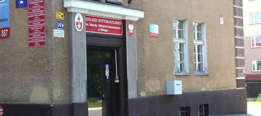 Budynek po byłym Zespole Szkół Turystyczno-Hotelarskich stoi pusty od listopada 2013 roku