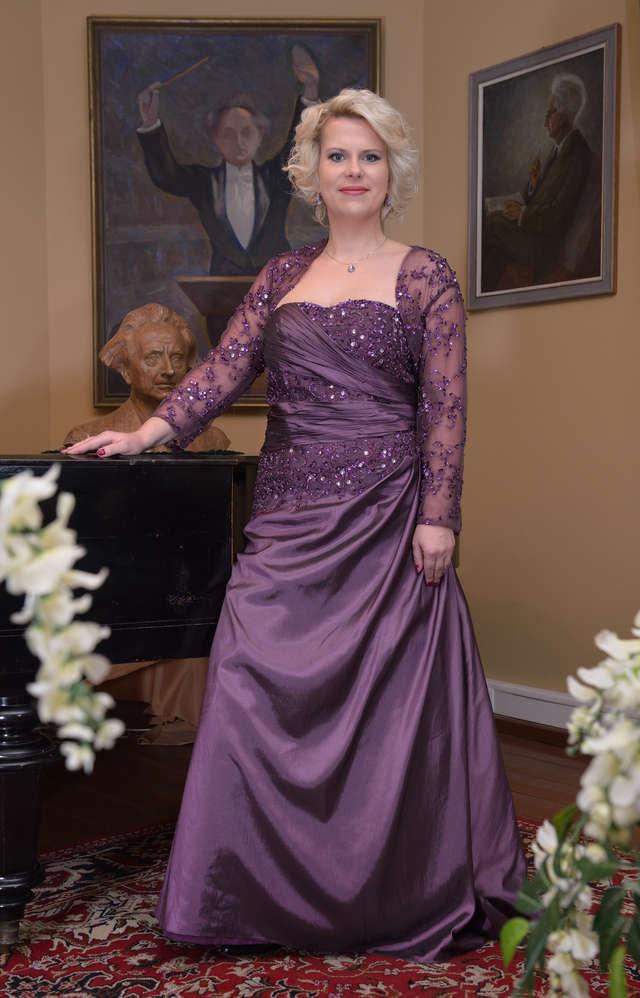 Sopranistka z Olsztyna inspiruje się twórczością Nowowiejskiego - full image