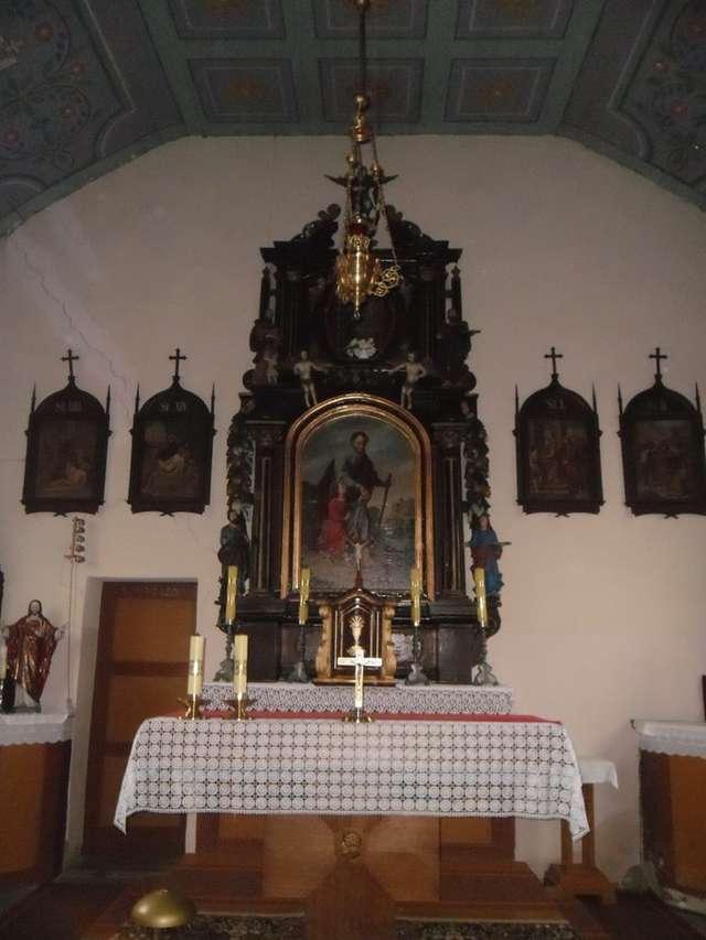 Barokowe wyposażenie wnętrza kaplicy - full image