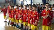 """Mocna ekipa ełckich minikoszykarzy na Turnieju """"Basket Cup"""" w Białymstoku."""