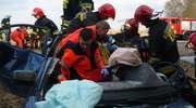 Dwa samochody osobowe zderzyły się koło Ostródy. Trzy osoby zostały ranne