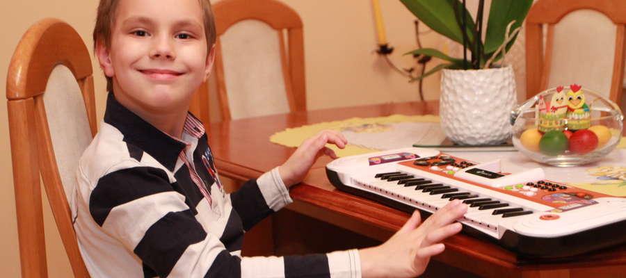 """Leczenie dolegliwości związanych z zespołem Aspergera kosztuje, dlatego rodzice Aleksandra poprosili o pomoc Fundację """"Przyszłość dla Dzieci"""""""