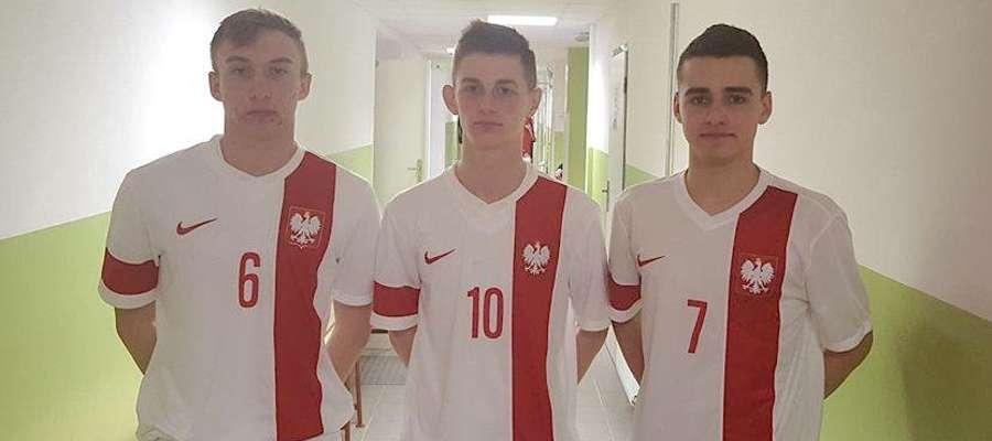 Sebastian Grubalski (pierwszy z prawej) ma za sobą debiut w kadrze narodowej