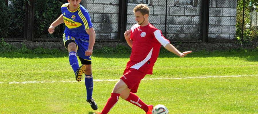 Dariusz Petrykowski mógł dać prowadzenie naszej drużynie, niestety piłka nie znalazła drogi do bramki